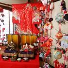 店内には、ひとつひとつ、手作りした雛飾りが展示してあります。