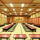 大宴会場 グループ・団体様には舞台付きのご宴席をご用意致します。吉弥自慢のお料理と地酒の味わいを、存分にお楽しみ下さい。