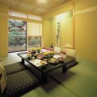 料理茶屋『阿智川街道』  17室の個室料亭がございます。豊かな自然が育んだ季節の味覚におもてなしの心を添えて食膳に・・・。ゆったりと心満ちる贅沢なひと時を味わって下さい。